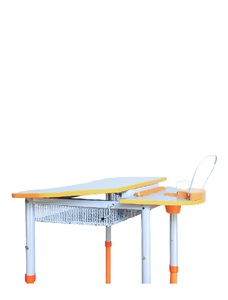 Mobile table with height and desktop slope adjustment, with a shelf